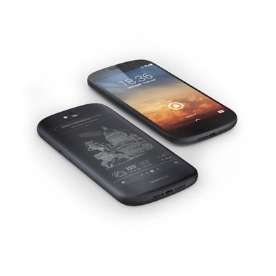 В России начались продажи смартфона YotaPhone 2 с двумя дисплеями